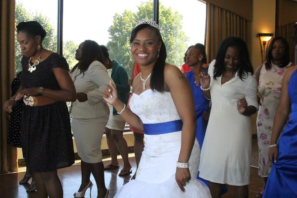 600x600 1468011740256 bride doing cupid shuffle