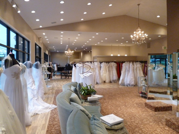 photo 3 of Elegant Touch Bridal & Tuxedo