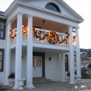 130x130 sq 1259948640754 willowridgemanordecoratedfortheholidays029