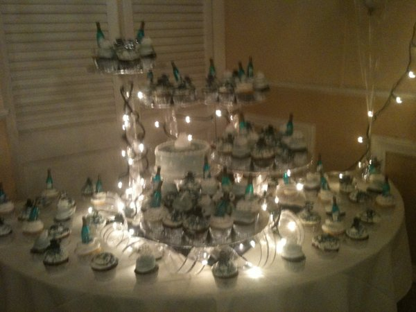 photo 4 of Wedding Cakes Unlimited