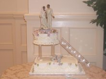 220x220 1191369823312 weddingcake