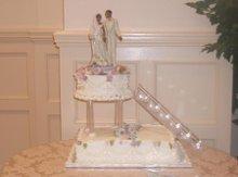 220x220 1191369823312 weddingcake