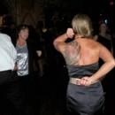 130x130_sq_1389121599800-dancing
