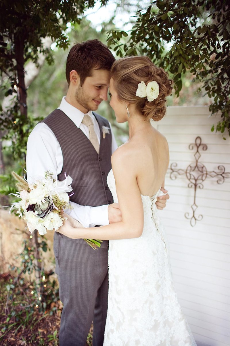 vintage summer texas wedding wedding real weddings gallery by weddingwire