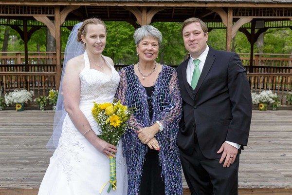 hedgesville jewish singles Our membership is a tapestry of young families and retirees, interfaith and jewish households, couples and singles  charles town, hedgesville,.