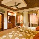 130x130 sq 1337268262656 cabin8