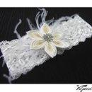 130x130 sq 1337727645535 stretchlacegarterwithkanzashiflower1