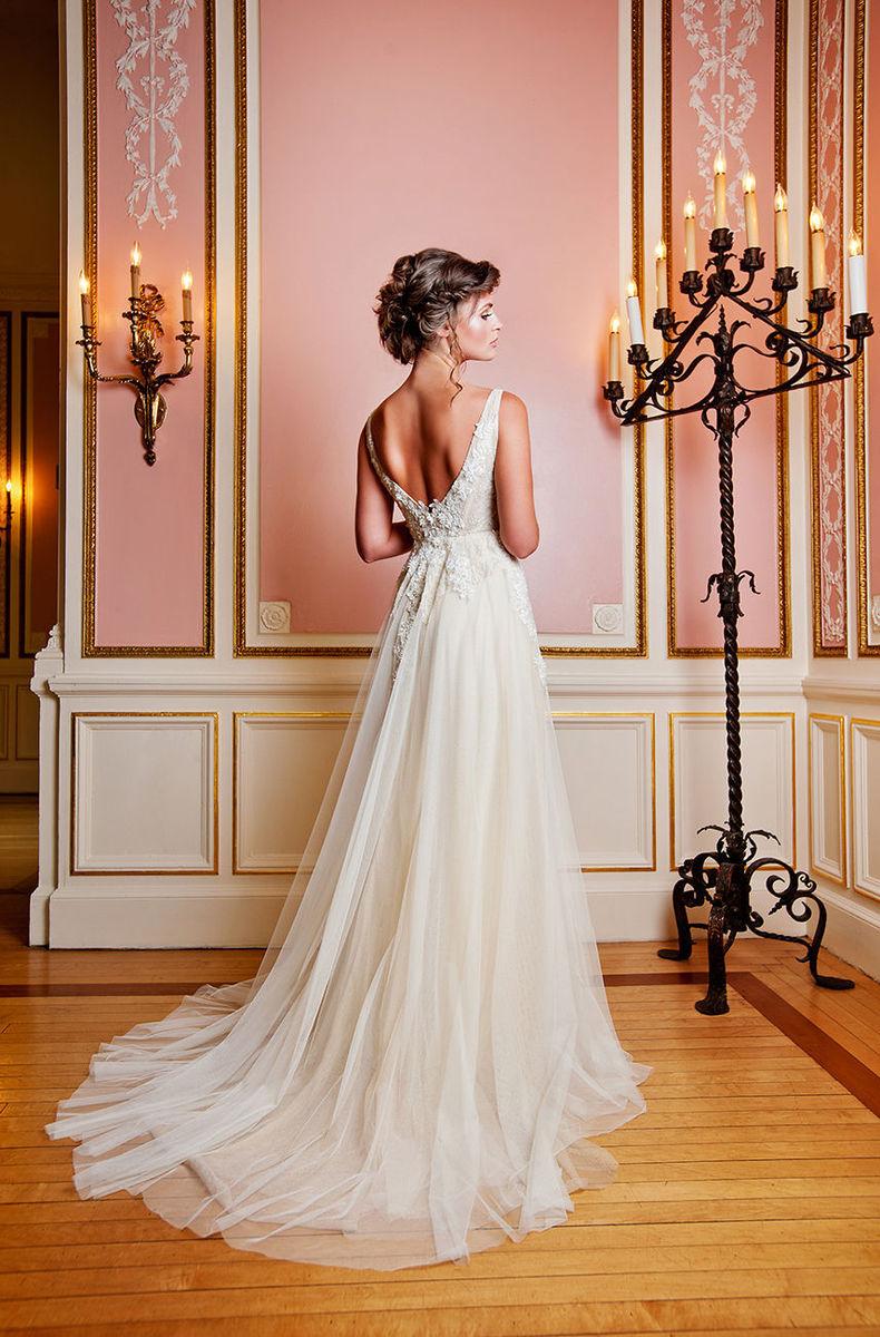 Priscilla costa bridal dress attire philadelphia for Wedding dress rental philadelphia