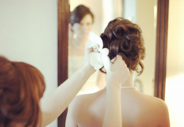 photo 9 of a la Mode UpDo's: Vancouver Wedding Hair Stylist