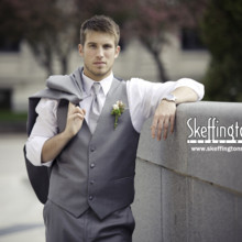 Skeffington 39 s formal wear dress attire des moines for Wedding dress cleaning des moines
