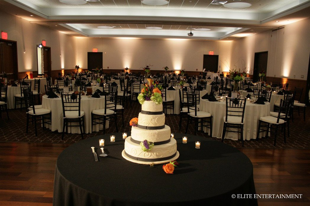 wedding cakes springfield il the governor s ballroom the state house inn venue 25515