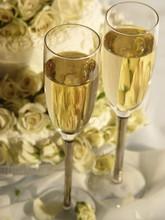 220x220 1400248647959 champagne ca