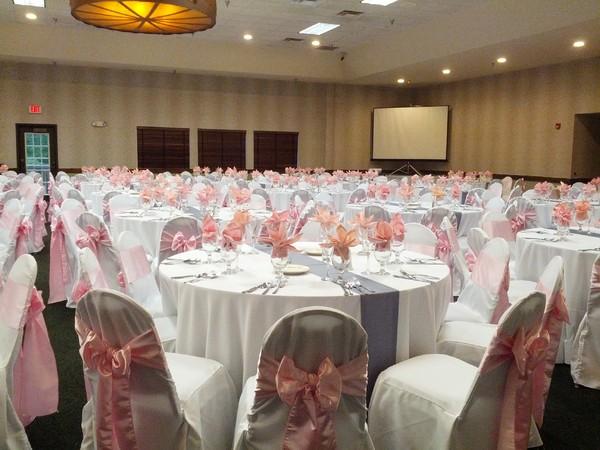 Beyond elegance west des moines ia wedding rental for Wedding dress cleaning des moines