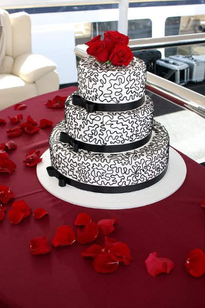 600x600 1242517439228 weddingcakerichardhorton.jpg