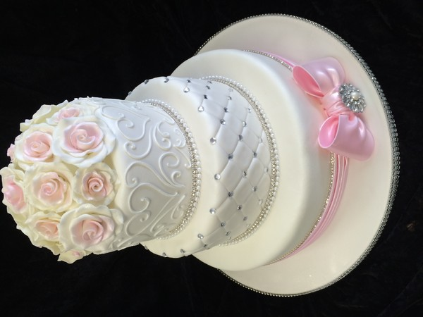 600x600 1415161993993 wedding 2014 quilted fondant bow 9
