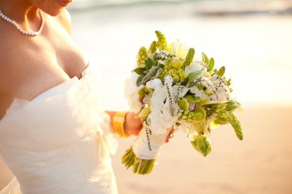 1347996807014 Bridesbouquet Kailua Kona wedding florist