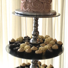 220x220 sq 1464112309669 weddingcakecupcakedcmarylandvirginiasavvy treatsde