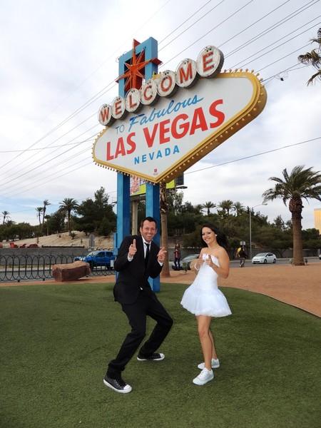 Las Vegas Wedding Wagon Llc Las Vegas Nv Wedding Officiant