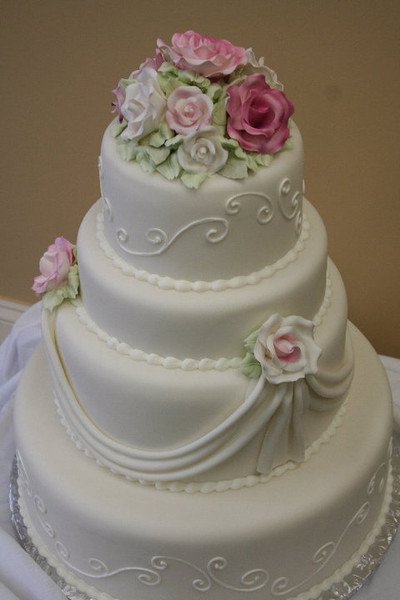 yia yia 39 s bakery baltimore md wedding cake. Black Bedroom Furniture Sets. Home Design Ideas