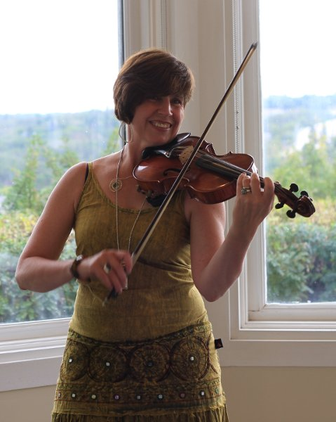 photo 4 of Rhonda Lynn Violin