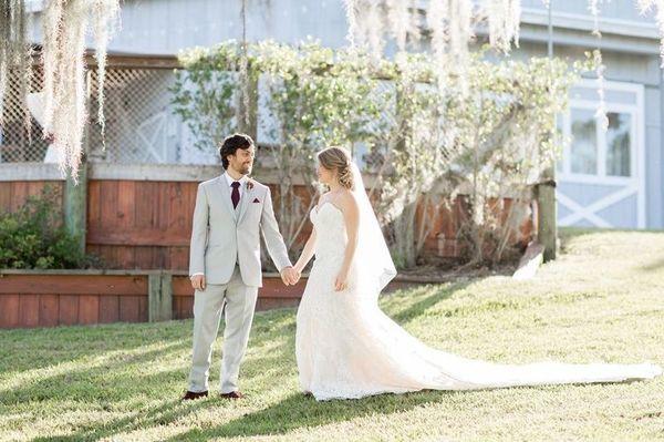 1524000058 2f4a790ef40964da 1524000056 Ebada73ad520fffb 1524000049313 18 Up The Creek Farm Fort Lauderdale wedding planner