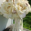 130x130 sq 1373436331637 bouquet shells ivory roses7