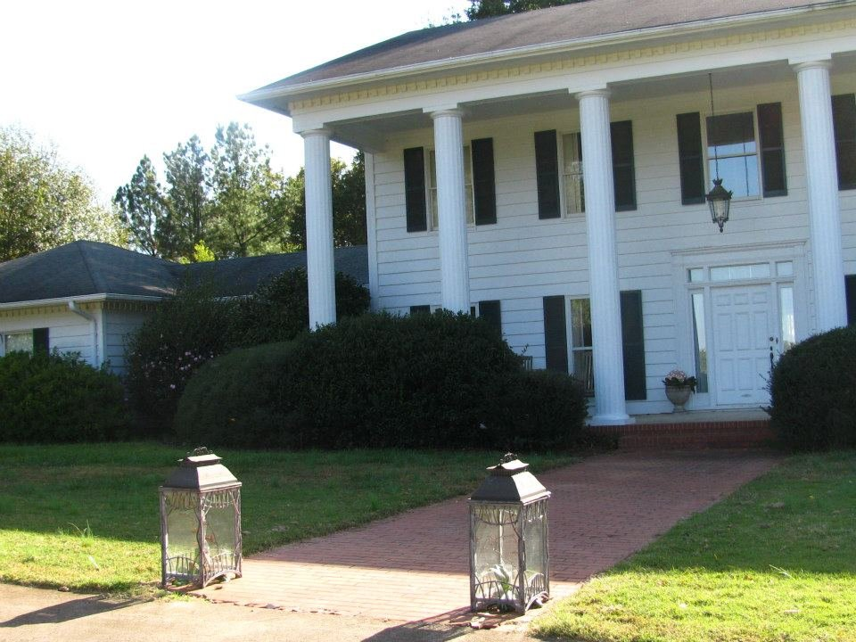 Mcconnell hall plantation venue anderson sc weddingwire for Wedding dresses anderson sc
