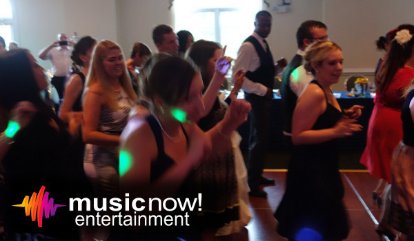 600x600 1388608248648 dj fun at evergreen golf club v
