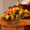 130x130_sq_1358984923079-mbweddingcommtableflowers2