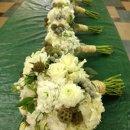130x130 sq 1357447621470 bouquetwhiteraffia
