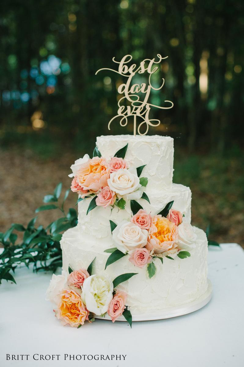 Savannahs Hall Of Cakes Wedding Cake Rincon GA WeddingWire - Wicked Wedding Cakes