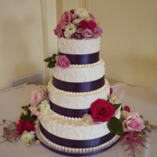 220x220 sq 1451852309216 farrand wedding cake internet sized