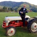 130x130 sq 1431005866138 e tux tractor