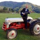 130x130 sq 1487530948842 e tux tractor
