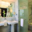 130x130 sq 1426098754140 guestroomcentertowerbathroom
