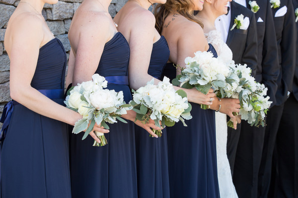 600x600 1500655761552 loriandbrianwedding bridalparty 21