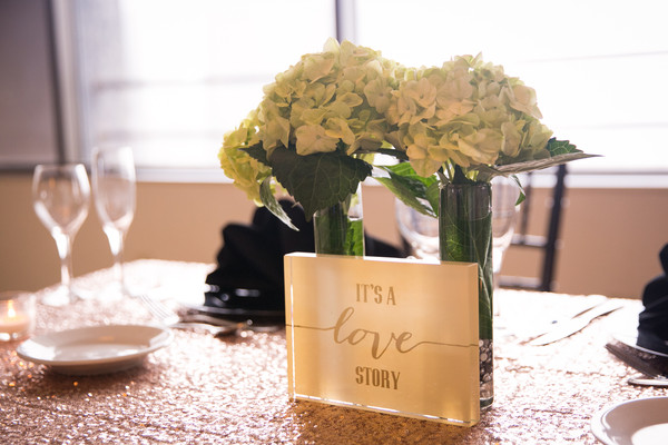 600x600 1486995753885 its a love story sweetheart table
