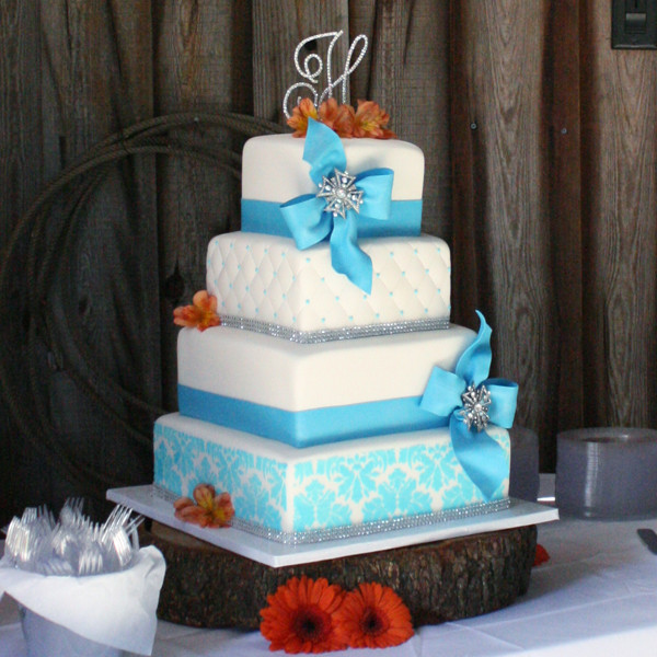ph d serts cakes wedding cake tampa fl weddingwire. Black Bedroom Furniture Sets. Home Design Ideas