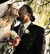 220x220 1383976436994 weddingphotoseattle1