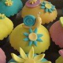 130x130 sq 1261964756987 cupcakes