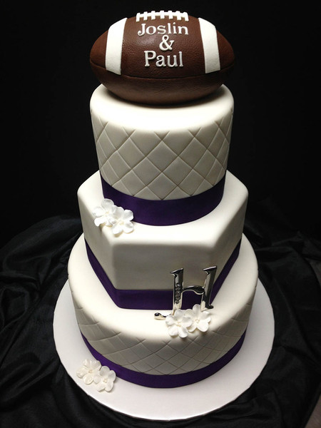 football themed wedding cakes creative cakes and cookies manhattan ks wedding cake 14394