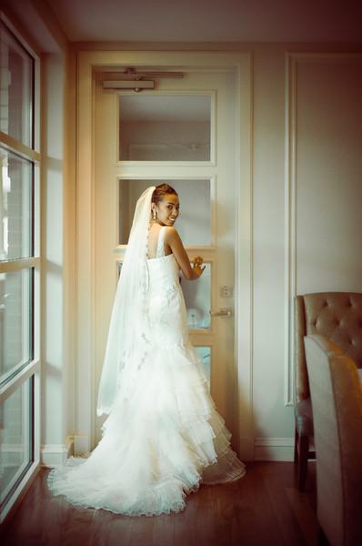 600x600 1498315860746 display   bride 2 full res