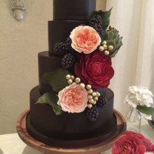 220x220 sq 1421255784040 black round layer rose cake