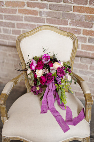 600x600 1430780686494 chair and bouquet