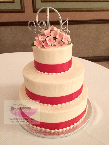 wedding cakes cincinnati oh by ladawn cincinnati oh wedding cake 24077
