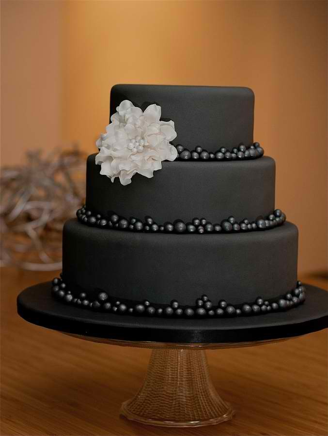 Weddingwire Custom Cake Design : Patty Cakes Design - Wedding Cake - Surry, ME - WeddingWire