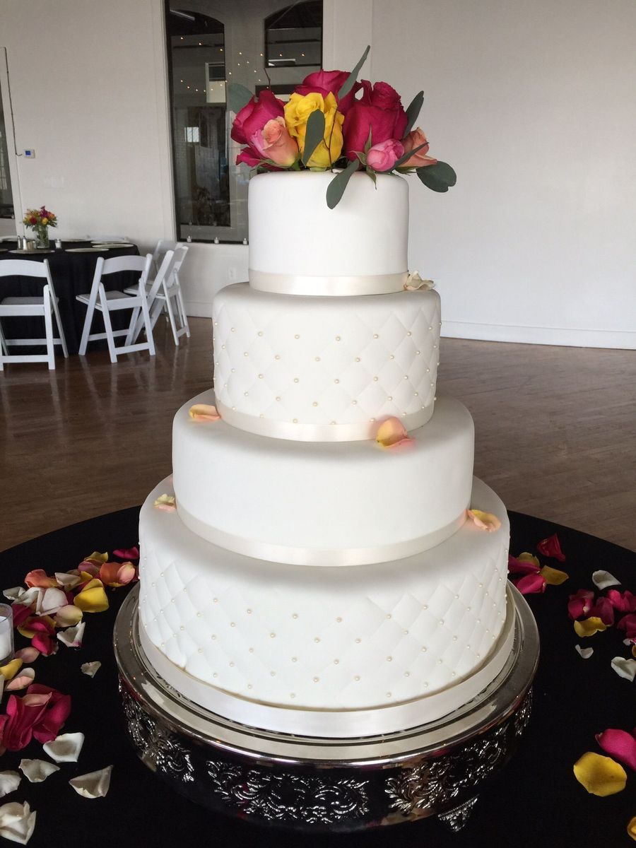 wedding cake bakery louisville ky a cakes wedding cake louisville ky weddingwire 21946