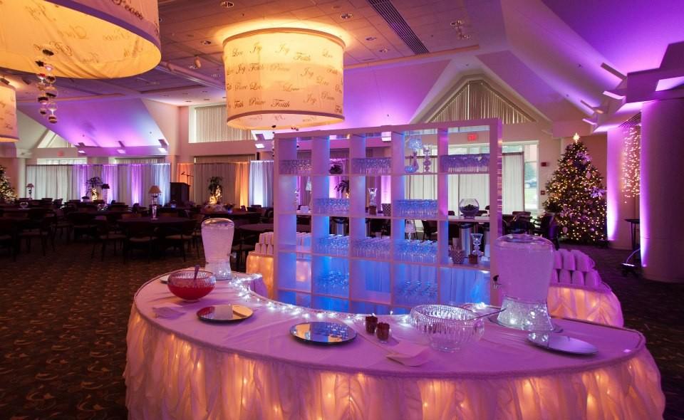 west michigan event lighting lighting decor spring lake mi weddingwire. Black Bedroom Furniture Sets. Home Design Ideas