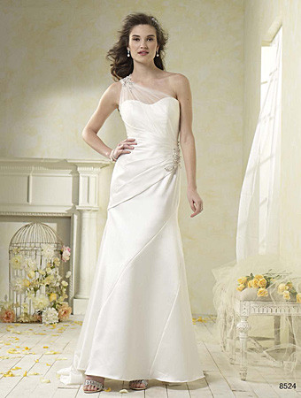 1401246500822 Alfred Angelo852422 Parkville wedding dress