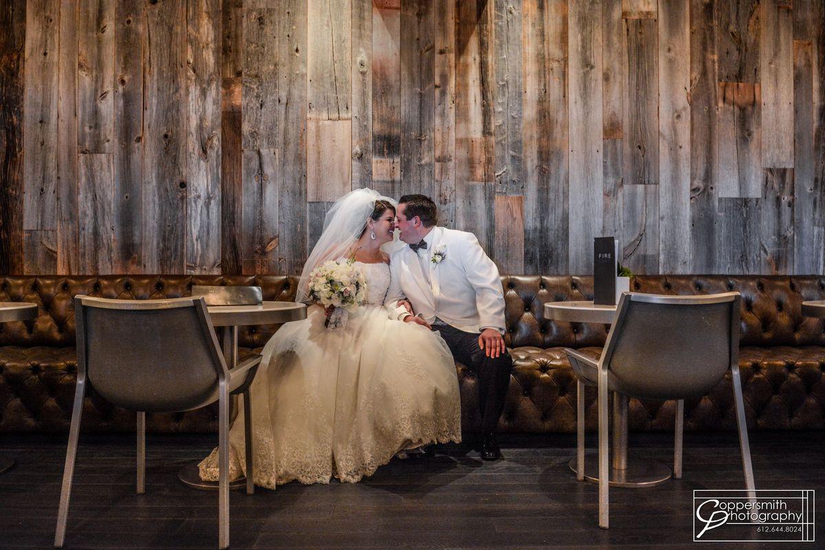 Radisson blu mall of america venue bloomington mn for Wedding dresses mall of america